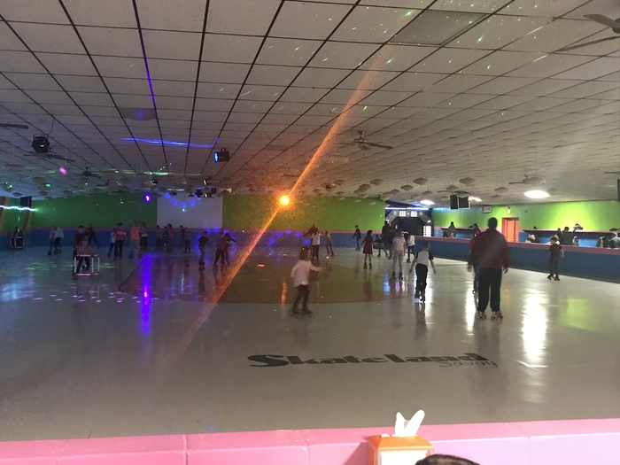 Unity Students enjoying PTO Family Night at Skateland
